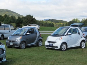 A pair of Smart Cars