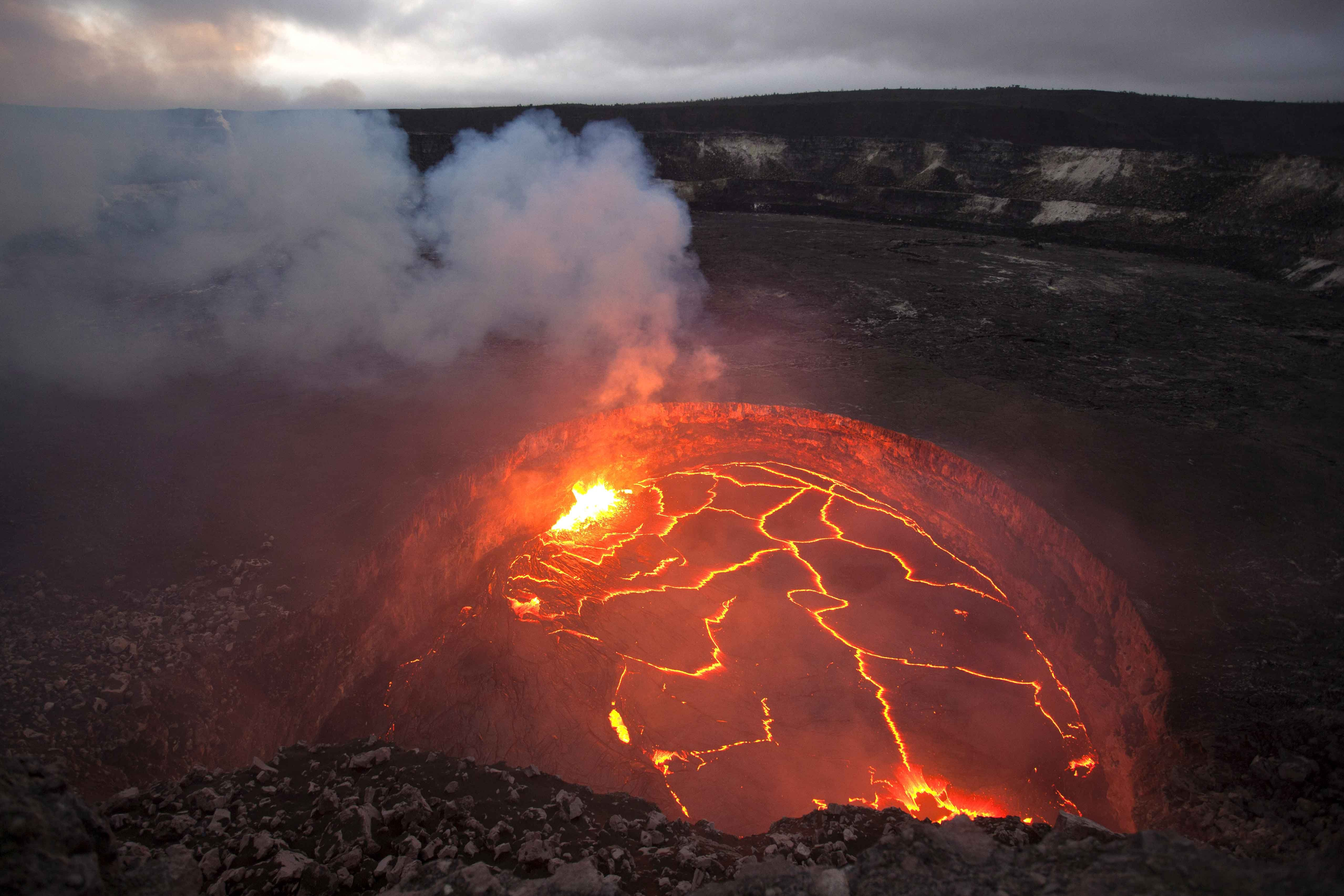 A lava lake inside Kilauea's overlook crater in 2008. USGS photo,