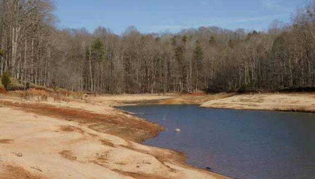 Lake Hartwell, near Anderson, South Carolina (Photo courtesy of Alan Raflo, Virginia Water Resources Research Center)